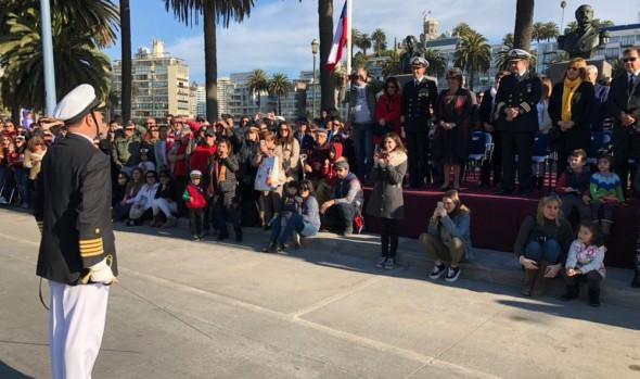 Lucido desfile en homenaje a las Glorias Navales realizó Armada en Viña del Mar