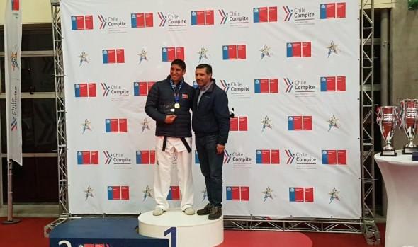 Profesor de Taekwondo de la Casa del Deporte se coronó campeón en juegos nacionales