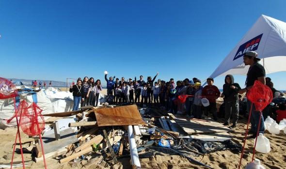Con operativo de limpieza en playas, Municipalidad de Viña del Mar conmemoró Día Mundial de los Océanos