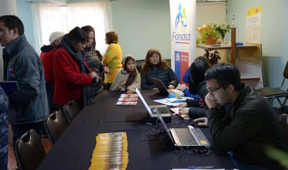 """En campamento Manuel Bustos se realizó feria de servicios de """"Gobierno en Terreno"""""""