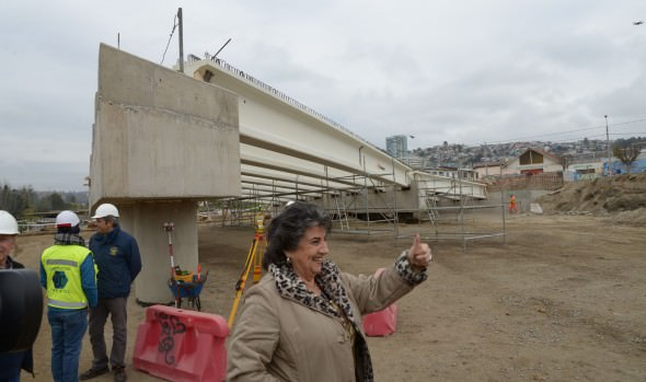 Puente Los Castaños ya toma forma: fue inspeccionado por alcaldesa Virginia Reginato