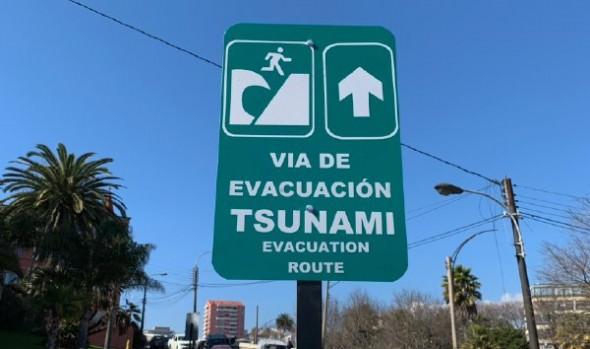 Viña del Mar se prepara para simulacro de Tsunami con renovación e instalación de nueva señalética
