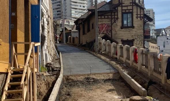 Pavimentación de bajada Bustos en Recreo se encuentra en su etapa final