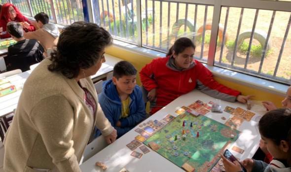 Escolares viñamarinos aprenden a ahorrar gracias a programa de educación financiera de FOSIS