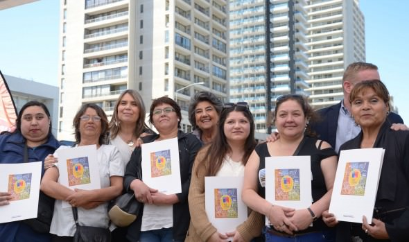 131 familias de viña del mar fueron beneficiadas con subsidios habitacionales entregados por el MINVU