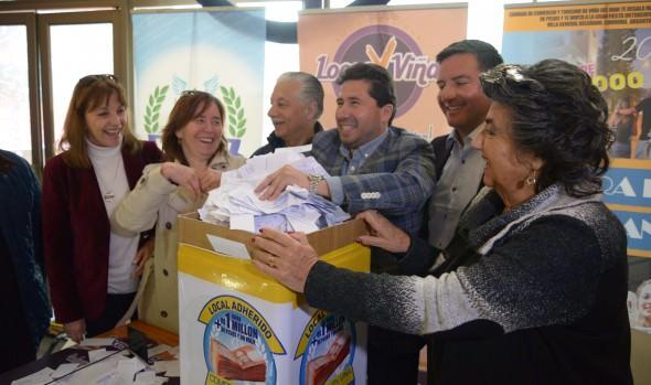 Comercio viñamarino premió a cliente con viaje a Oktoberfest de Córdoba y a locatarios