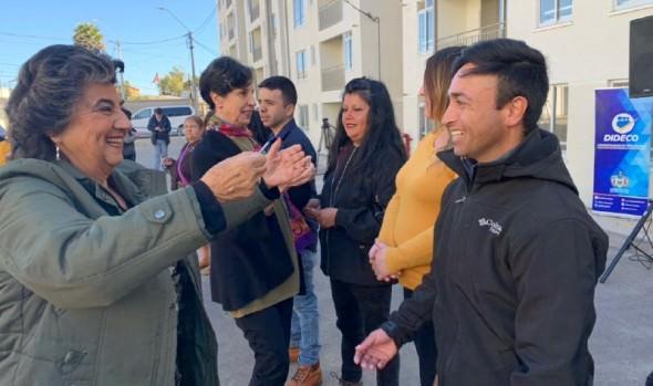 160 familias recibieron sus departamentos en sector de Glorias Navales