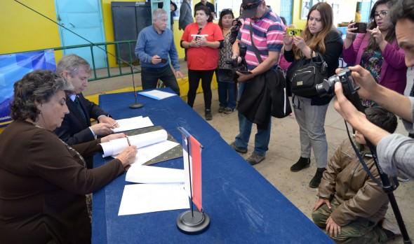 Municipio de Viña del Mar y Universidad Andrés Bello establecen alianza para ejecutar operativos sociales