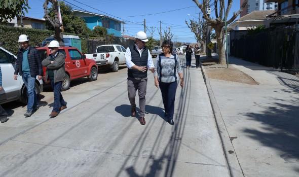Obra de reposición de calles principales de Recreo fue inspeccionada por alcaldesa Virginia Reginato