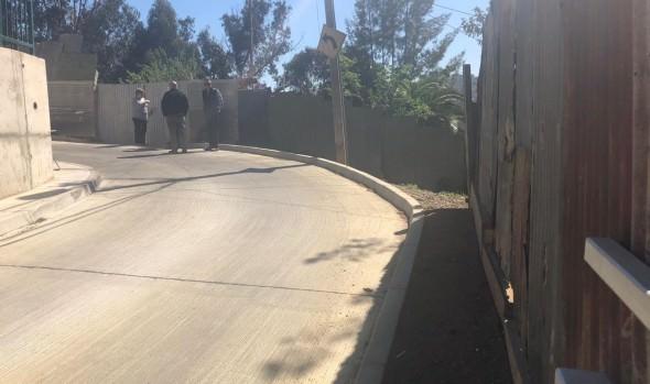 Municipio de Viña del Mar entregó muro de contención en sector Chorrillos