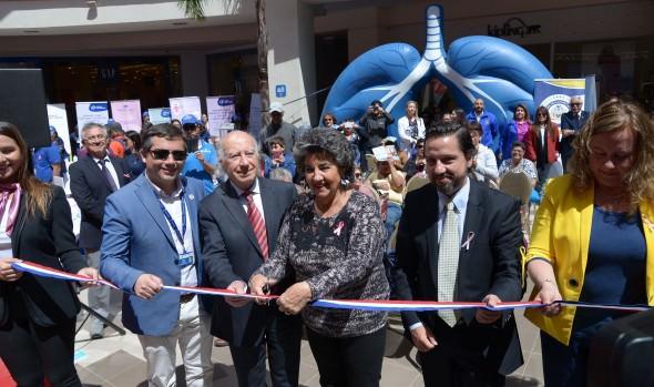 """En Viña del Mar se realiza primera feria de la salud """"Diagnóstico precoz y prevención del cáncer"""""""