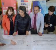 """Anuncio de JUNJI de retomar obras de jardín infantil """"Santa Julia"""" fue valorado por alcaldesa Virginia Reginato"""