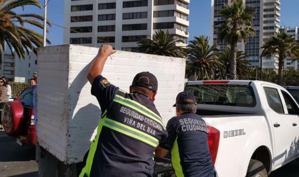 Municipio de Viña del Mar, policías, Armada y autoridad sanitaria coordinan plan de intervención contra el comercio ilegal