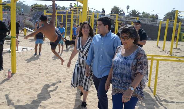 En Playa del Deporte de Viña del Mar Ministerio de BBNN presentó aplicación para denunciar problemas de libre acceso a las playas
