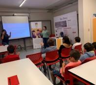 Municipio de Viña del Mar fomenta la inclusión con taller de Lengua de señas