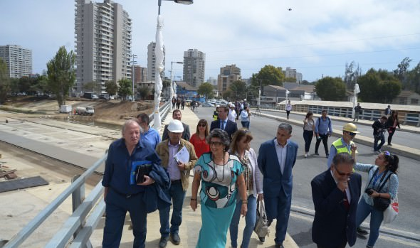 Construcción de puente Los Castaños está en etapa de terminaciones