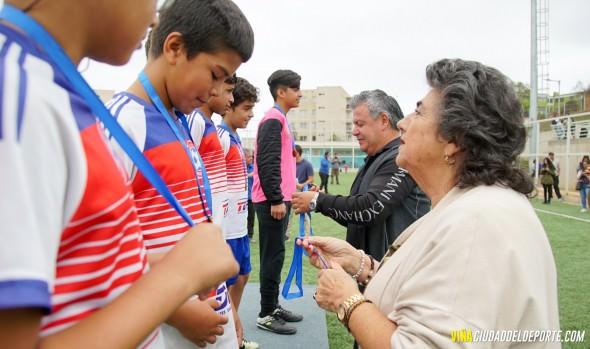 Premian a alumnos que participaron en el campeonato inter escuelas de fútbol de verano 2020 en Viña del Mar