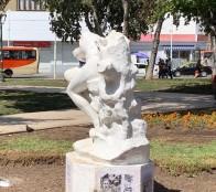 Destruyen icónicas esculturas de Plaza José Francisco Vergara en Viña del Mar
