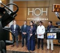 Autoridades revisan instalaciones de Hotel O'Higgins para habilitarlo como hospital de campaña