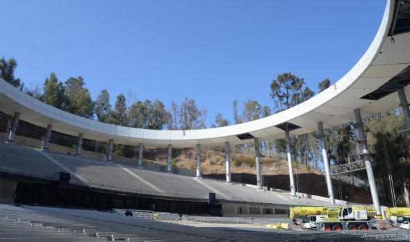 Retiran estructura metálica sobre el anfiteatro de Quinta Vergara