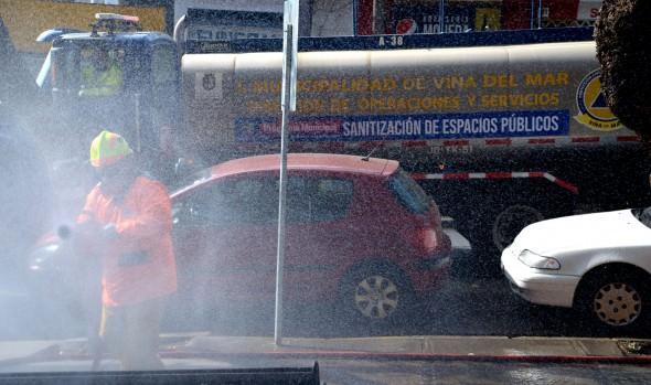 Municipio de Viña del Mar incorpora camiones desinfectantes en su programa de sanitización de espacios públicos