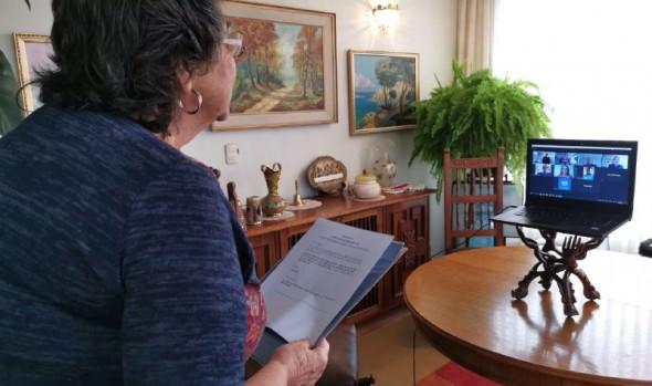 En forma inédita, alcaldesa Virginia Reginato tomó juramento, vía on line, a nuevo juez del 2º juzgado de Policía Local