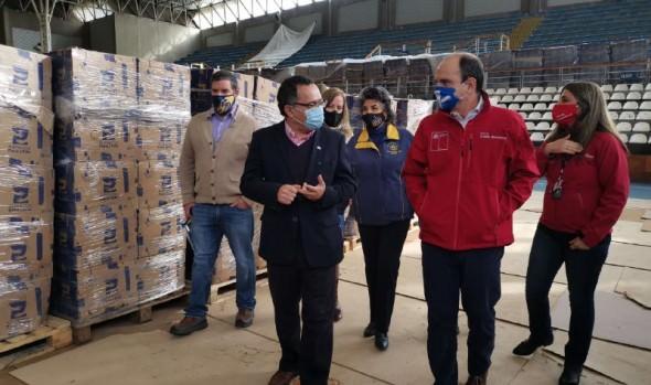 Ministro de Desarrollo Social y autoridades  locales destacaron en Viña del Mar, entrega de cajas de alimentos
