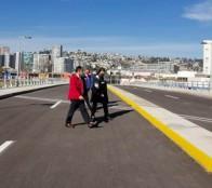 Alcaldesa Virginia Reginato destaca puesta en marcha de puente Los Castaños, para unir a los viñamarinos