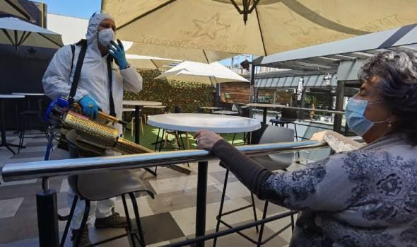 Locales gastronómicos de Viña del Mar se preparan para cumplir protocolos sanitarios ante eventual apertura