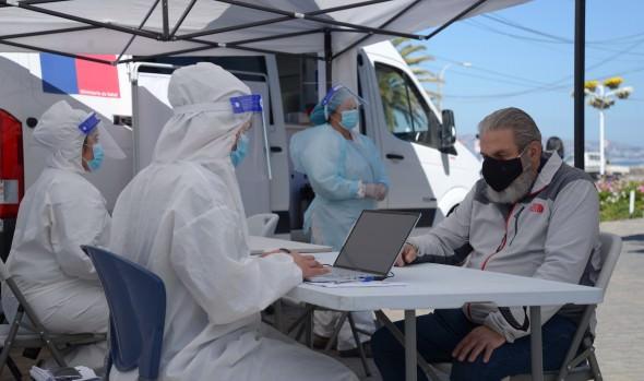 Potencian toma de exámenes PCR en Viña del Mar, sumando playas y borde costero