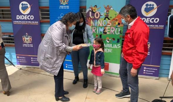 En Viña del Mar, niñas y niños del programa Chile Crece Contigo recibirán kit lúdico de emergencia