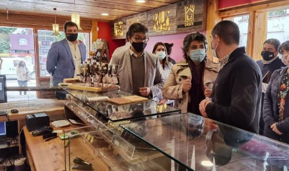 Autoridades destacan a comerciantes que han emprendido en Viña del Mar en plena pandemia por Covid 19