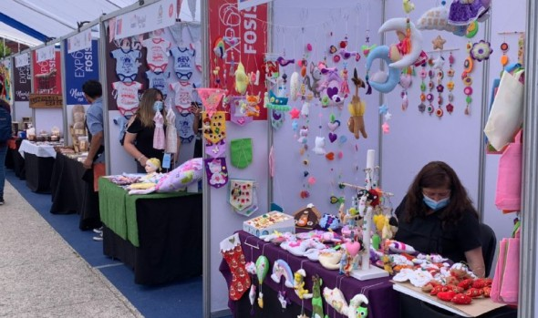 "Municipio de Viña del Mar y FOSIS apoyan a emprendedores con feria ""Expo Fosis Navidad en Viña"""