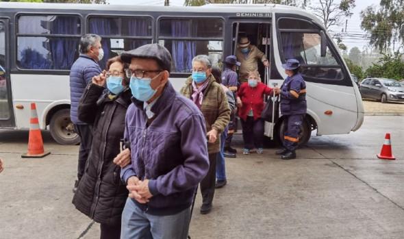 De manera expedita y segura funciona centro de vacunación masiva en Estadio Sausalito