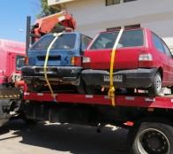 Municipio de Viña del Mar retira autos abandonados desde la vía pública