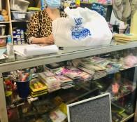 Almacenes de barrio de Viña del Mar son beneficiados con kit de protección sanitaria para el comercio local